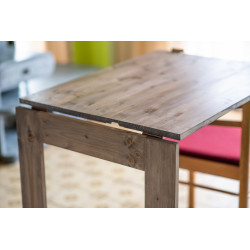 Sklopný stůl na zeď